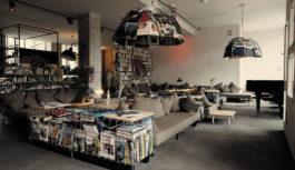 Η μοναδική do-it-yourself διακόσμηση του Michelberger Hotel αλλάζει τα δεδομένα στο ξενοδοχειακό design