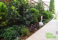 Κήπος: Το ανοιξιάτικο δίλημμα – Εποχιακά φυτά ή μια ολική ανακαίνιση;