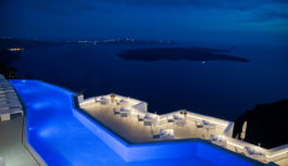 Grace Santorini: Η αγαπημένη πισίνα του διεθνούς τύπου βρίσκεται στην Ελλάδα!
