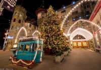 Χριστουγεννιάτικος στολισμός πέντε αστέρων σε πολυτελή ξενοδοχεία όλου του κόσμου