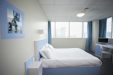 room(8)