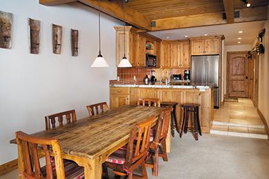 Gant_Room_Deluxe_Kitchen1
