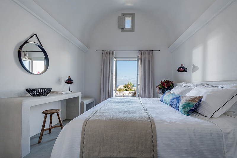 Santo Maris Oia Luxury Suites and Spa hotel in Santorini island