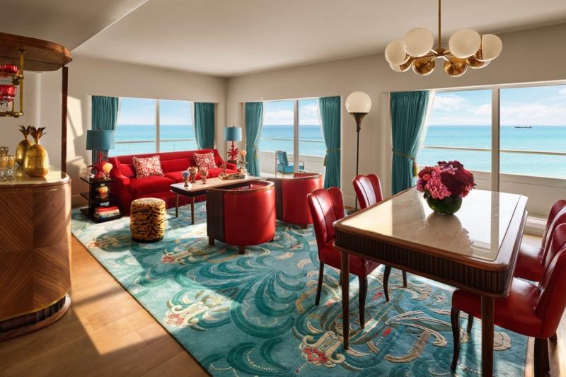 17_Premier_Oceanfront_Corner_Suite-03-1500x1000