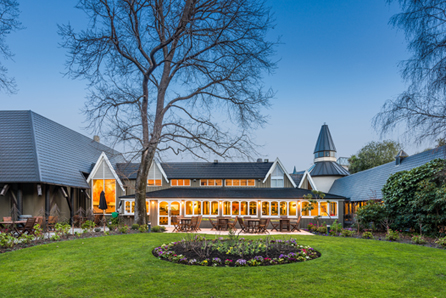 dtbh_chateau_on_the_park_christchurch_exterior_fp