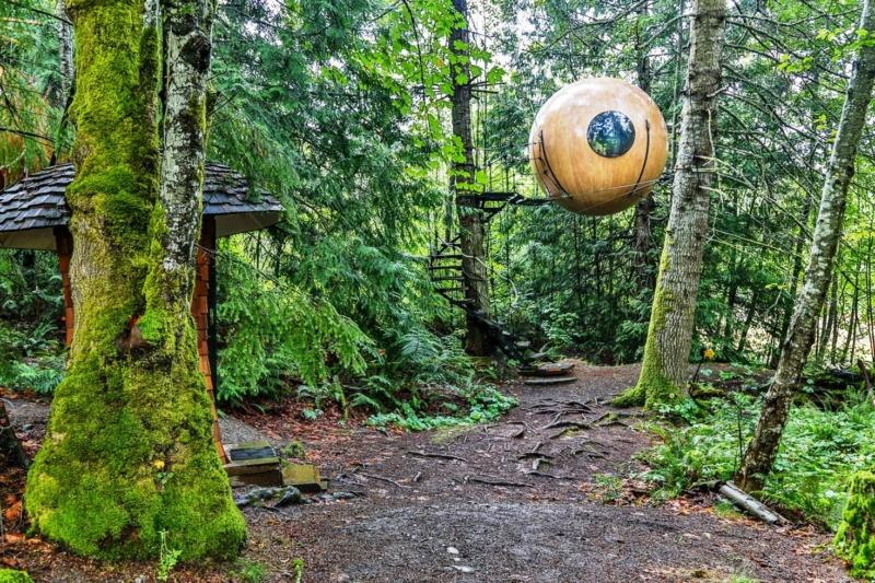 unique-places-to-stay-free-spirit-spheres-british-columbia-canada