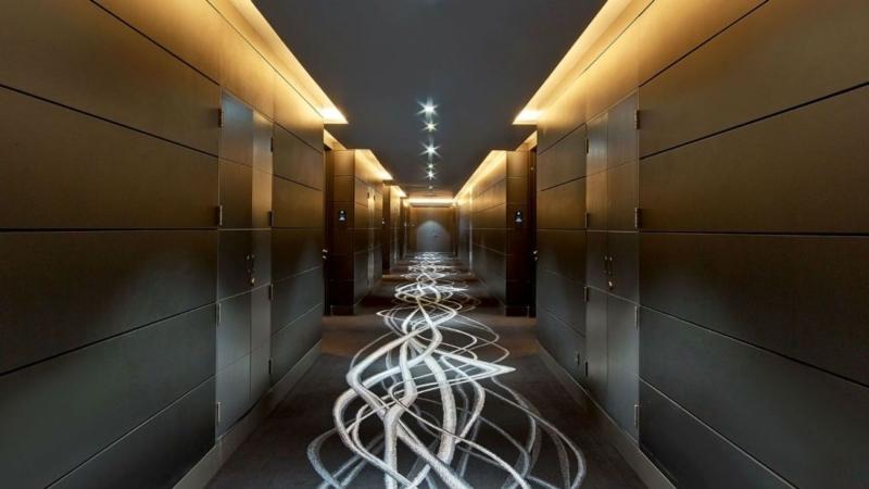 w-hotel-dubai-al-habtoor-city-hotel-in-dubai-hallway