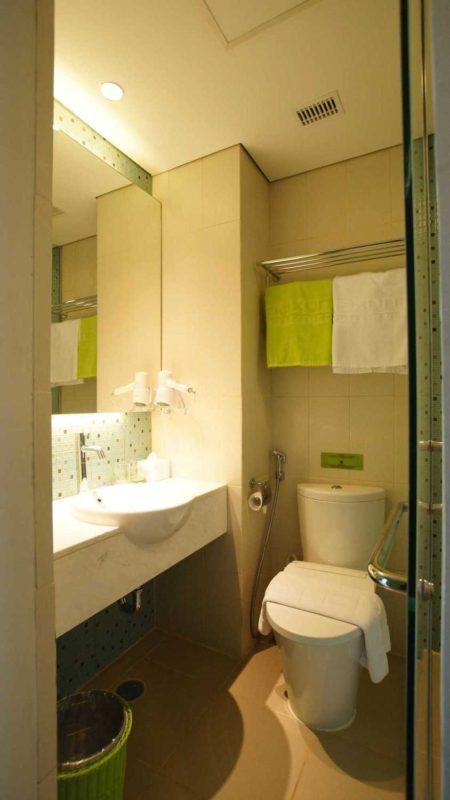 bathroom1476170971-m