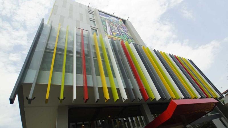 facade-facelift1476170922-m
