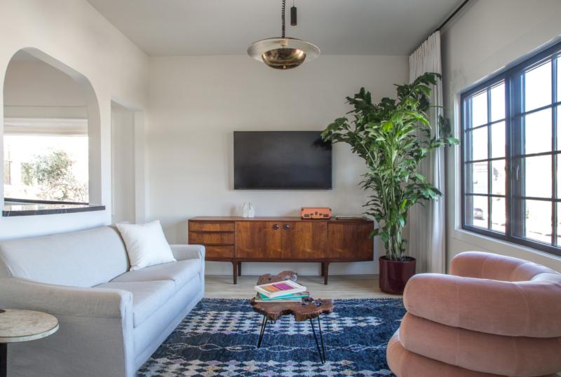 ch-3-livingroom