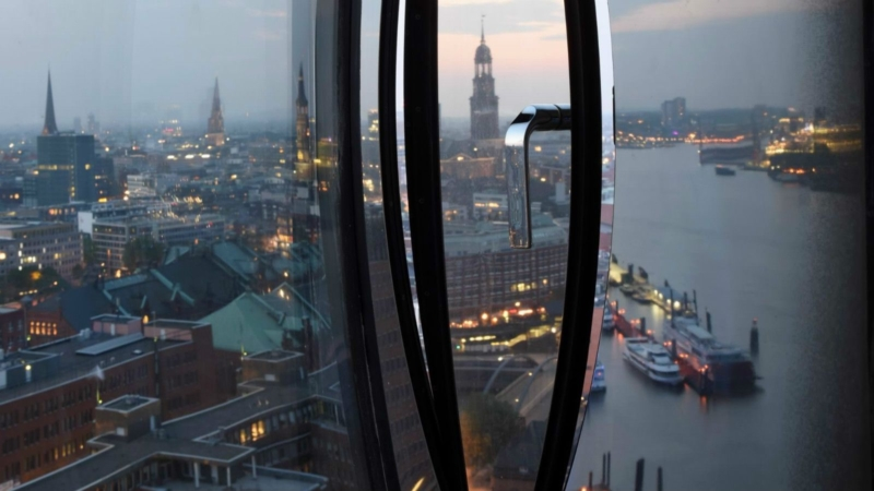 westin-hotel-hamburg-hafencity-11-side-window