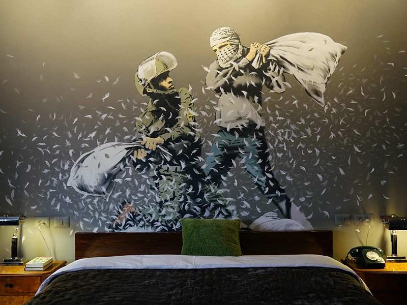 Bansky και Walled Off Hotel: Αντιπολεμικό Ξενοδοχείο γεμάτο έργα τέχνης