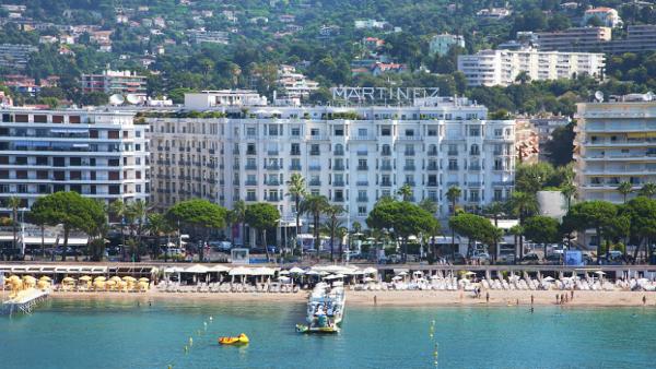 Το ξενοδοχείο Martinez ανοίγει ξανά στις Κάννες, συμμετέχοντας στην οικογένεια Hyatt