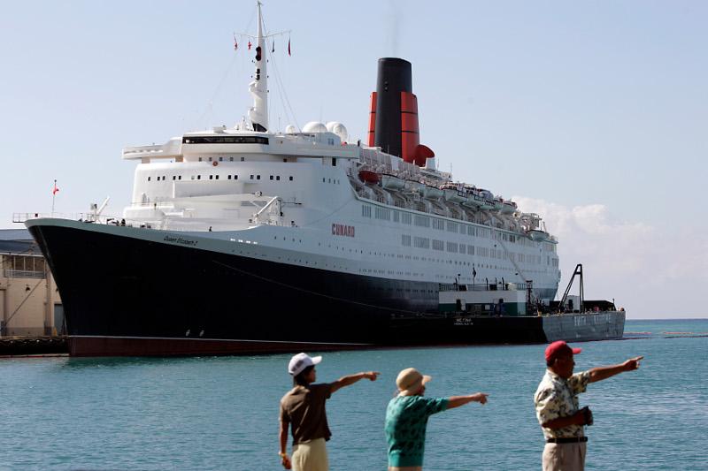 Το ιστορικό κρουαζιερόπλοιο Queen Elizabeth II έγινε ξενοδοχείο στο Ντουμπάι