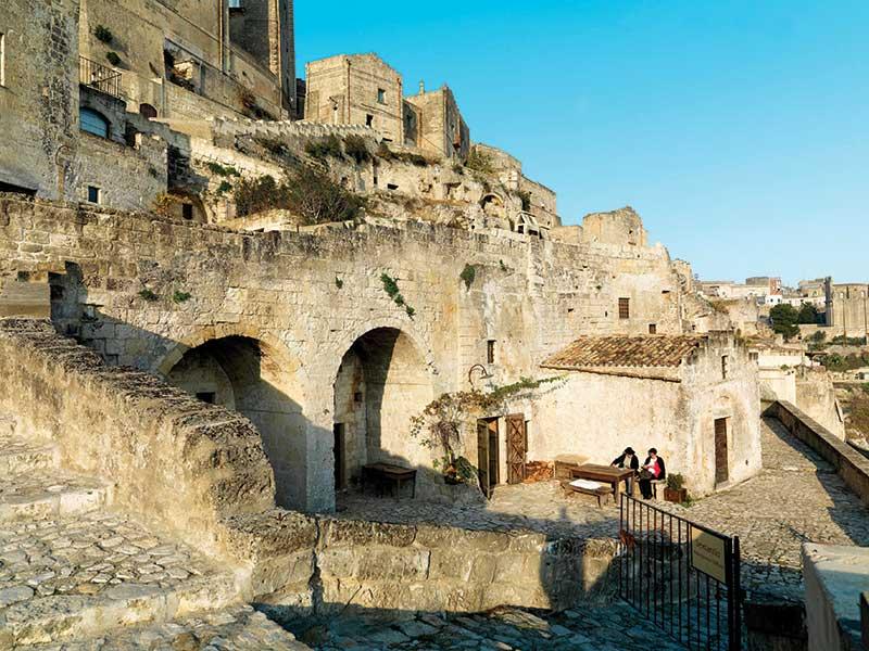 """Sextantio Le Grotte della Civita: Ένα ξενοδοχείο που δεν μπορεί να κατηγοριοποιηθεί με την παραδοσιακή κατάταξη των """"αστεριών"""""""
