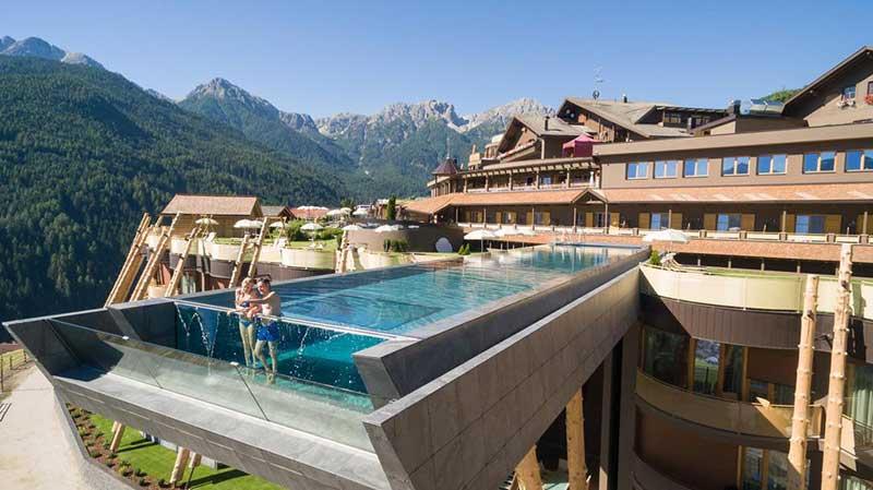 Η πιο εντυπωσιακή πισίνα στον κόσμο!