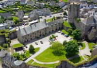 Respecting the heritage of a historical castle without giving up the Design,Mobilspazio has furnished a castle in Lower Normandy