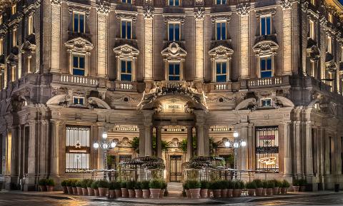 Η Starbucks φτάνει στο Μιλάνο της Ιταλίας