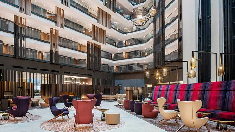 Το Sheraton Hotels & Resorts γιορτάζει την ανακαίνιση του Grand Sheraton Grand Tbilisi Metechi Palace
