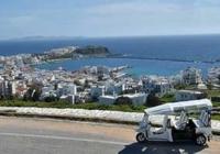 Το Akrogiali Hotel επεκτείνει τις υπηρεσίες του σε συνεργασία με την Tuk Tuk Hellas