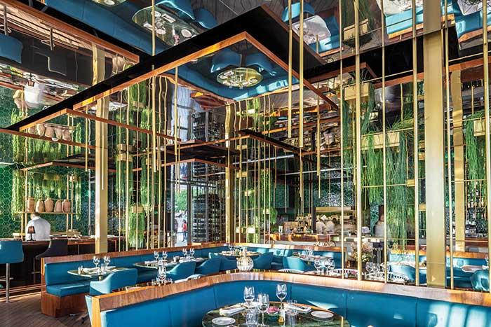 ONE OCEAN: Το εστιατόριο που βάζει το κρασί στο επίκεντρο του design