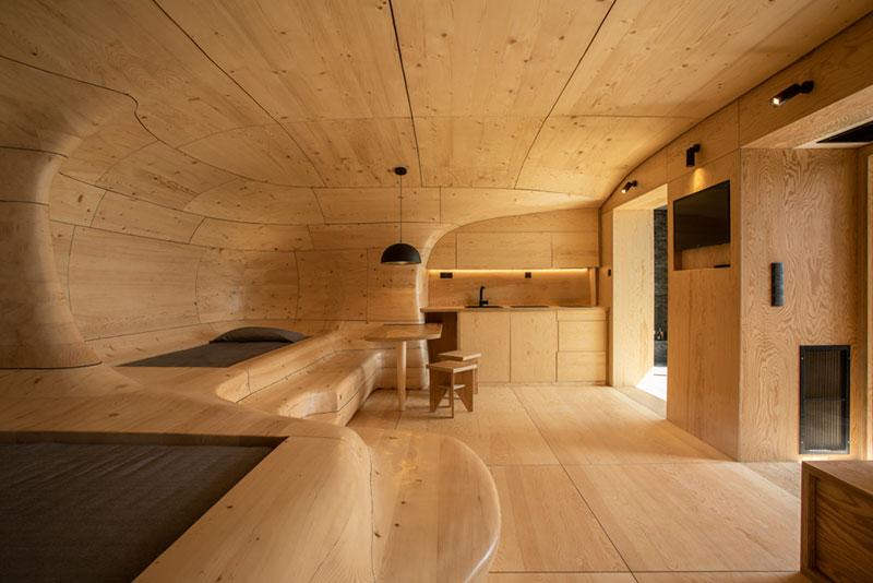 Το εντυπωσιακό Wooden Cave σχεδιάστηκε από την Tenon Architecture για το ξενοδοχείο Hyades Mountain Resort