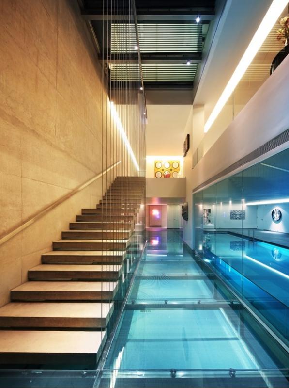 Οι ISV Architects μιλούν για την αρχιτεκτονική και τον ανοξείδωτο χάλυβα.