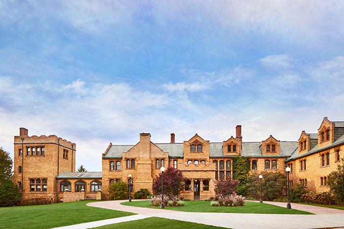 Wyndhurst Manor & Club by Hyatt
