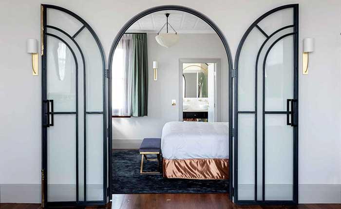 Tattersalls Hotel, Australia