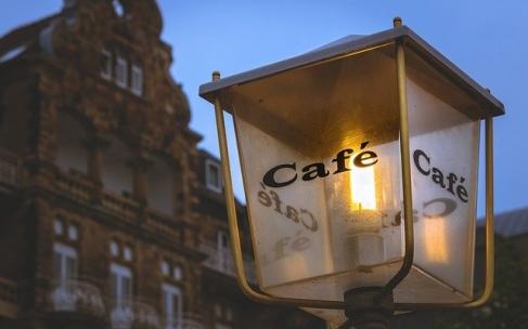 7 συμβουλές για το interior design του καφέ σας για να επιστρέφουν οι πελάτες σας (για τη μετά-covid εποχή)