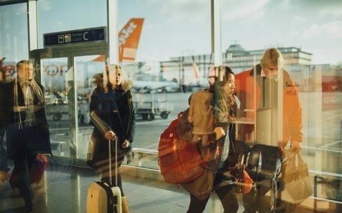 Ταξιδιωτικές τάσεις 2021- Swipe right on tech