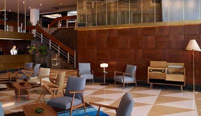 Brown Acropol: Το ανανεωμένο λαμπερό ξενοδοχείο της Αθήνας