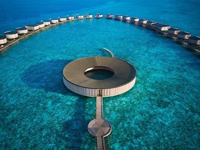 Η απαράμιλλη πολυτέλεια αγκαλιάζει τη νησιωτική ζωή με το ντεμπούτο του The Ritz-Carlton στις Μαλδίβες